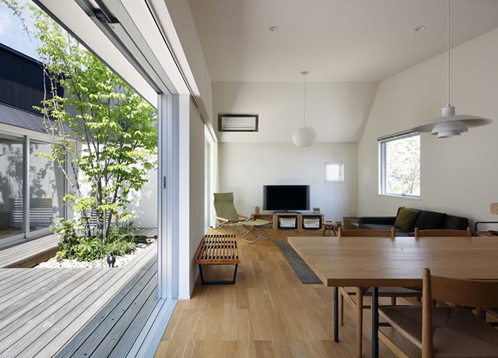 草津のコートハウス4