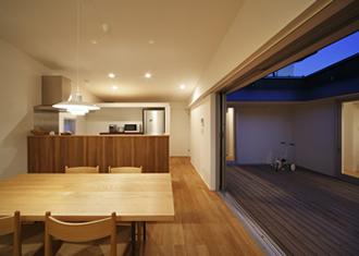 草津のコートハウス8