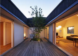 草津のコートハウス9