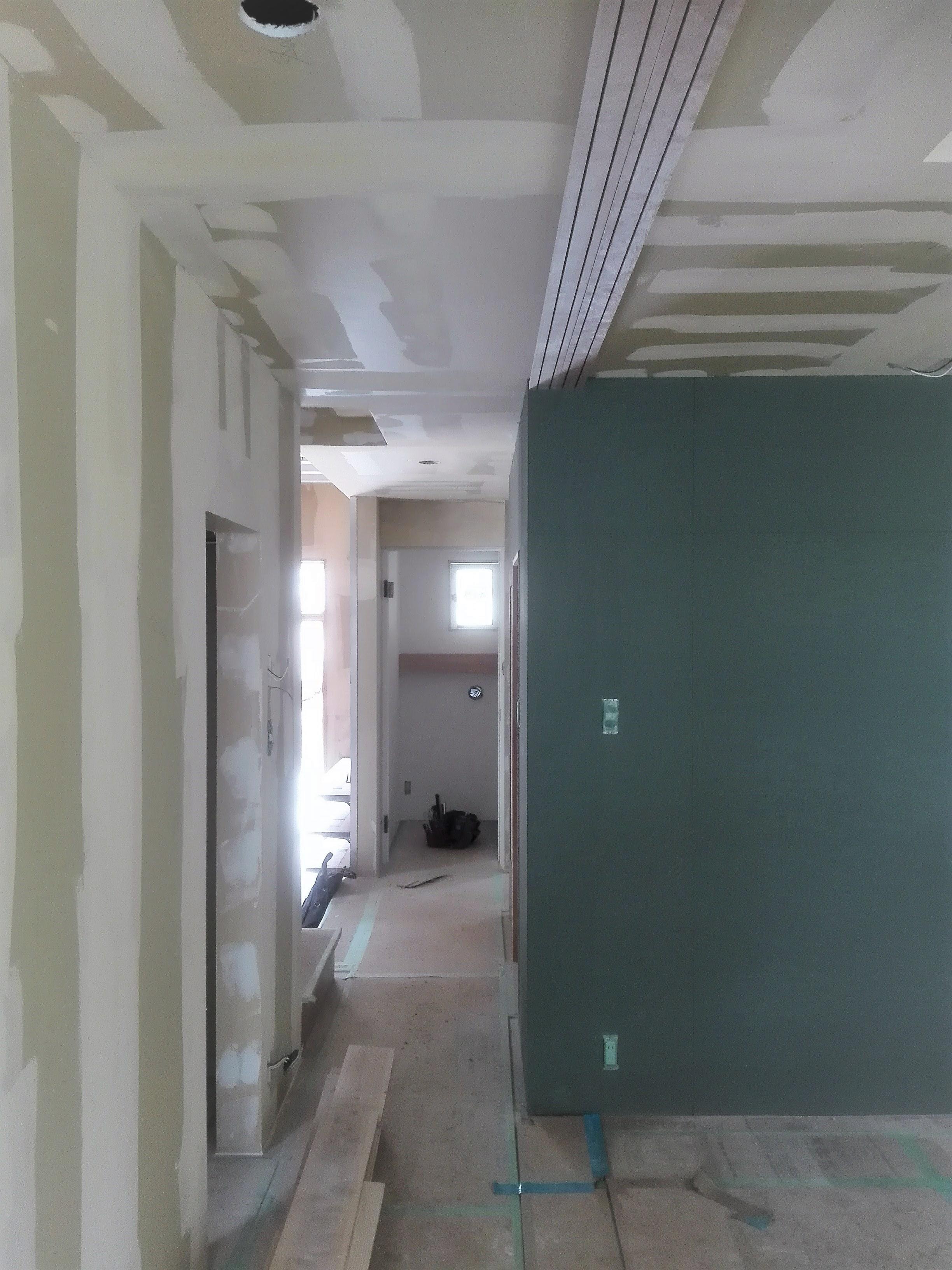 内部の塗装工事が完了
