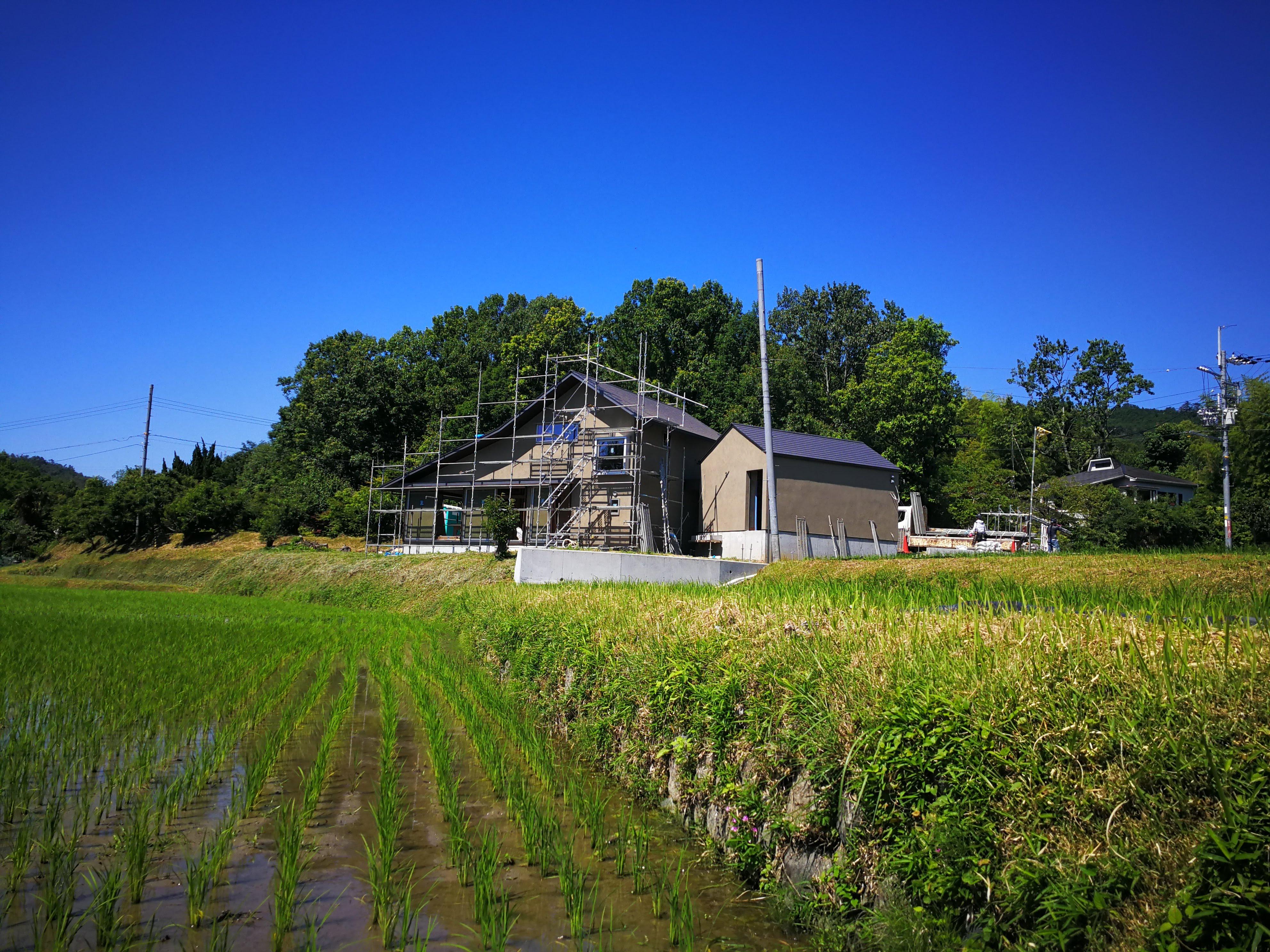 田園風景の中に建つ新しい住まい